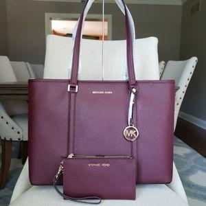 Michael Kors Sady tote Bag And Wallet set merlot